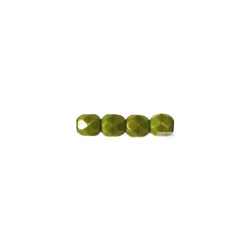 Opaque Olivine - 40 db - csiszolt gyöngy 4 mm (53420)
