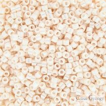1530 - Opaque Bisque White Ceylon - 5 g - 11/0 delica beads