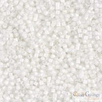 0066 - White Lined Crystal - 5 g - 11/0 Delica Beads