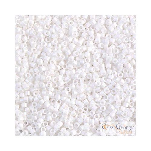 0351 - Matt fehér - 5 g - 11/0 Miyuki Delica gyöngy