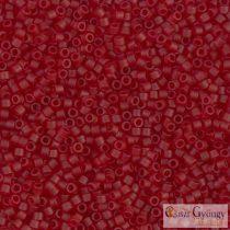 1262 - Matt, áttetsző sötét vörös - 5 g - 11/0 Miyuki Delica gyöngy