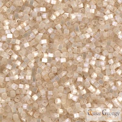 0673 - Antique Ivory SILK SATIN - 5 g - 11/0 Miyuki Delica Beads