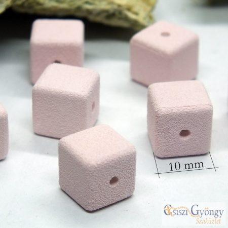 Púder rózsaszín porcelán kocka - 1 db - mérete: 10x10x10 mm, furat: 1 mm