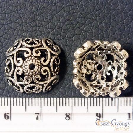 Nagy gyöngykupak - 1 db - antik ezüst színű, 17x17x9mm, Furat: 1,5mm