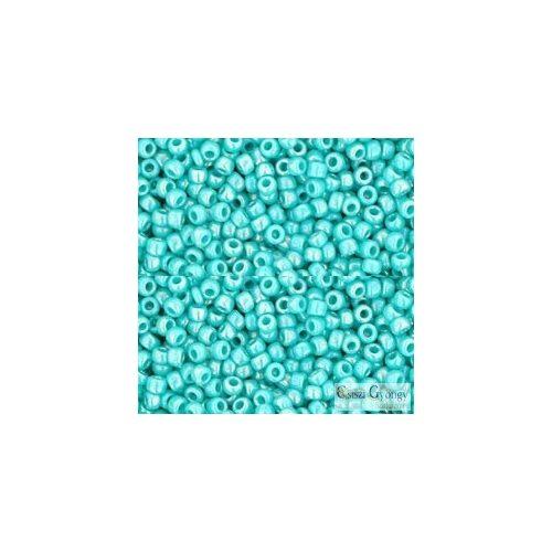 Opaque Rainbow Turquoise - 10 g - Toho japán kásagyöngy 11/0 (413)