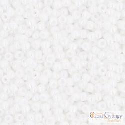 Opaque Rainbow White - 10 g - Toho japán kásagyöngy 11/0 (401)