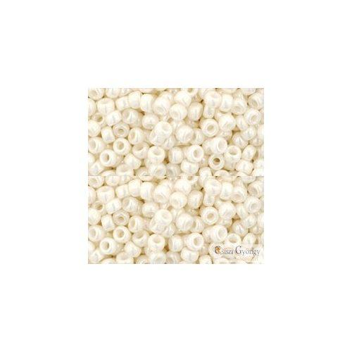 Opaque Luster Navajo White - 10 g - Toho japán kásagyöngy 8/0 (122)