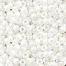 Opaque Luster. White - 10 g - 8/0 Toho japán kásagyöngy (121)