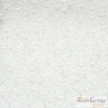 Opaque Lt. Beige - 10 g - Toho Magatama gyöngy, mérete: 3mm (51)