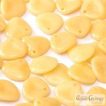 Ivory - 1 db - Rose Petals 8x7 mm