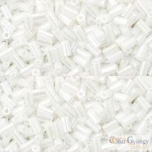 Opaque Luster White - 10 g - Toho japán szalmagyöngy 3 mm (121)