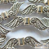 Angyalszárny, antik ezüst színű, mérete: 23 mm, furat: 1.5 mm,  - 1 db